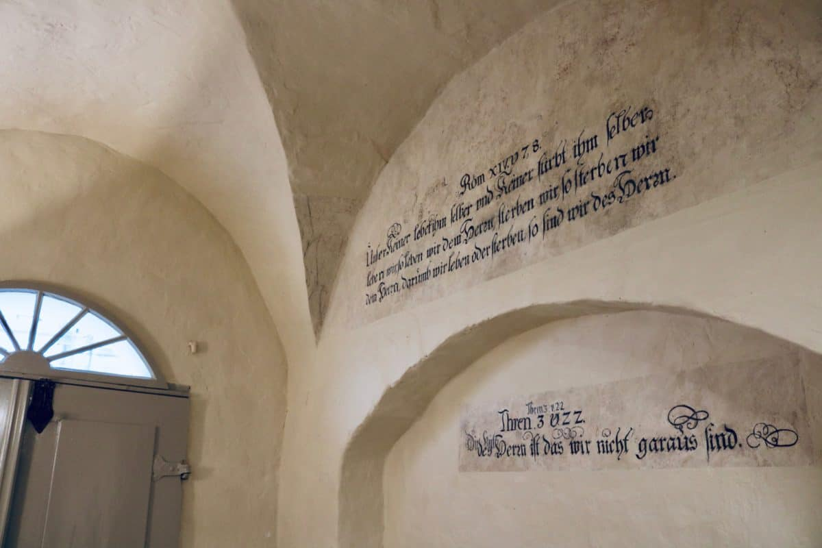 Markt 15 - Biblical quotations on the wall